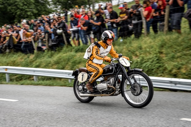 P90309252_highRes_bmw-motorrad-classic