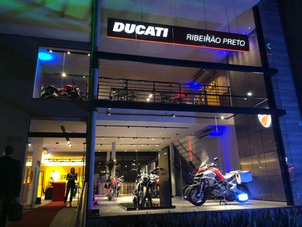 Quattro Ducati - Fachada 01